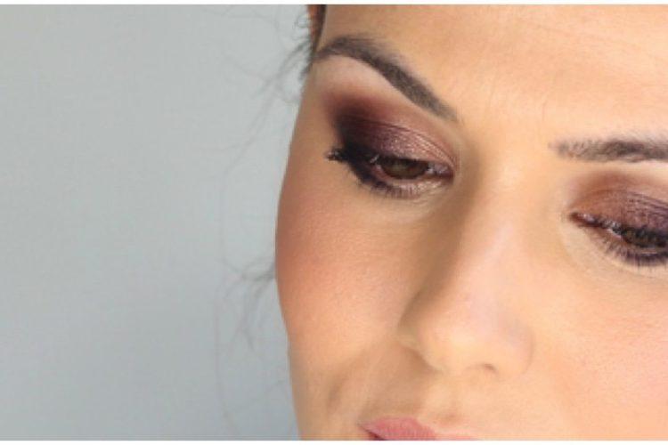 Maquillaje suave glamouroso