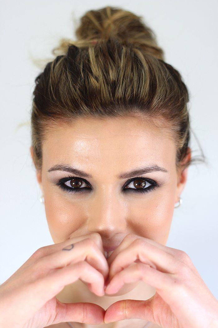 Maquillaje intenso Aisha