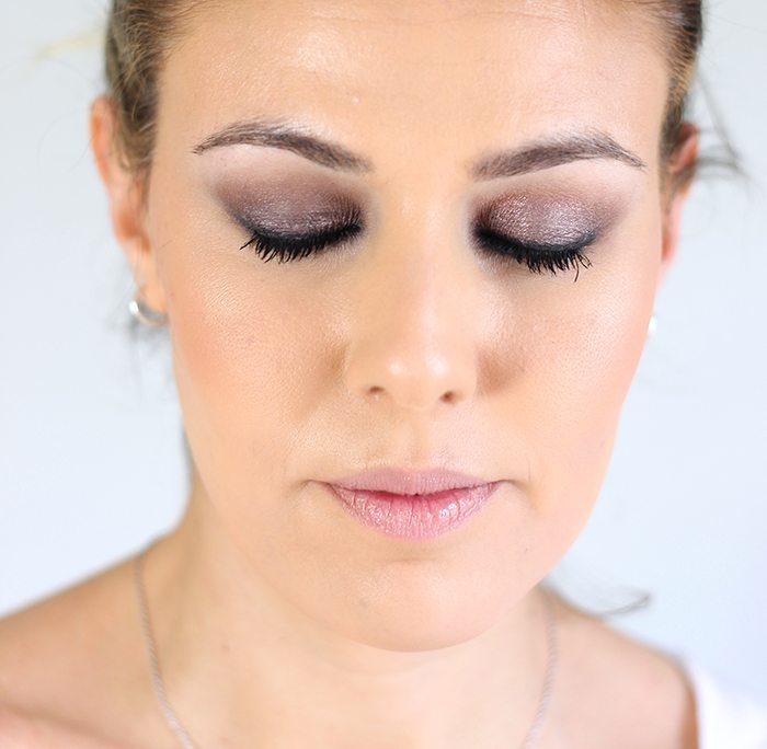 Maquillaje intenso satin taupe