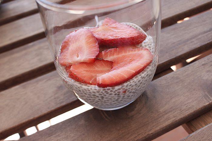 Semillas chia y fruta