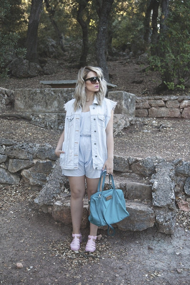 Outfit blonde girl