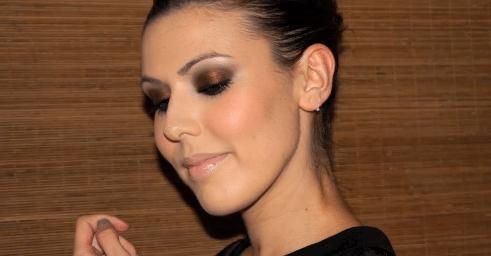 Maquillaje: SMOKED RUBY