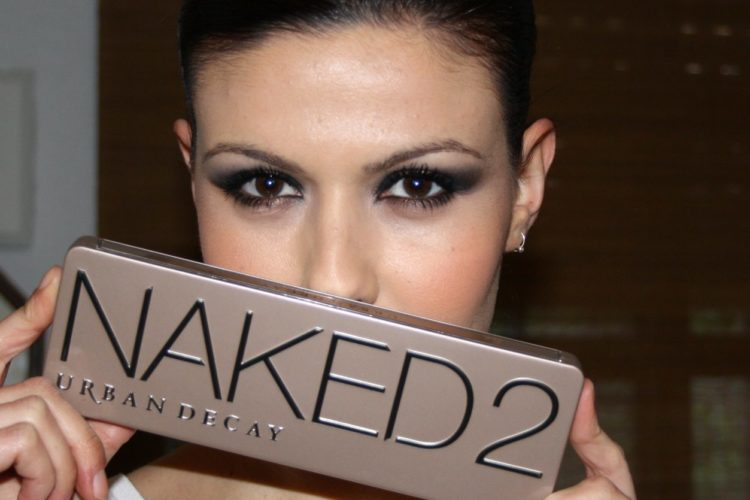 NAKED 2 LOOK
