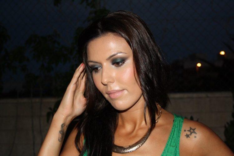 Maquillaje de noche en verdes INFO
